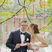 Plener ślubny w Wilanowie (Warszawa) – zdjęcia ślubne z motywem łódki