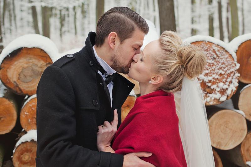 zimowe zdjęcia ślubne pani fotograf