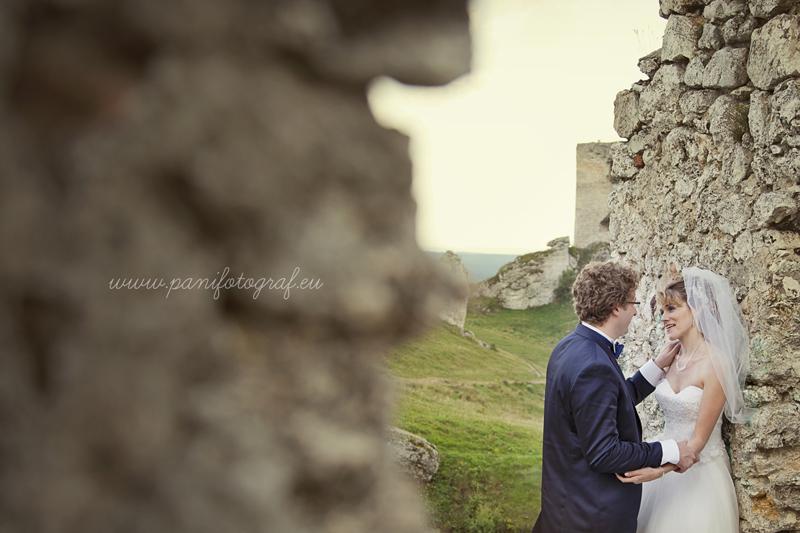 plener ślubny ruiny zamku Olsztyn
