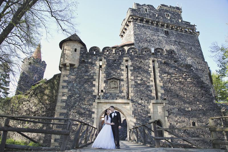 plener ślubny z zamku Grodziec